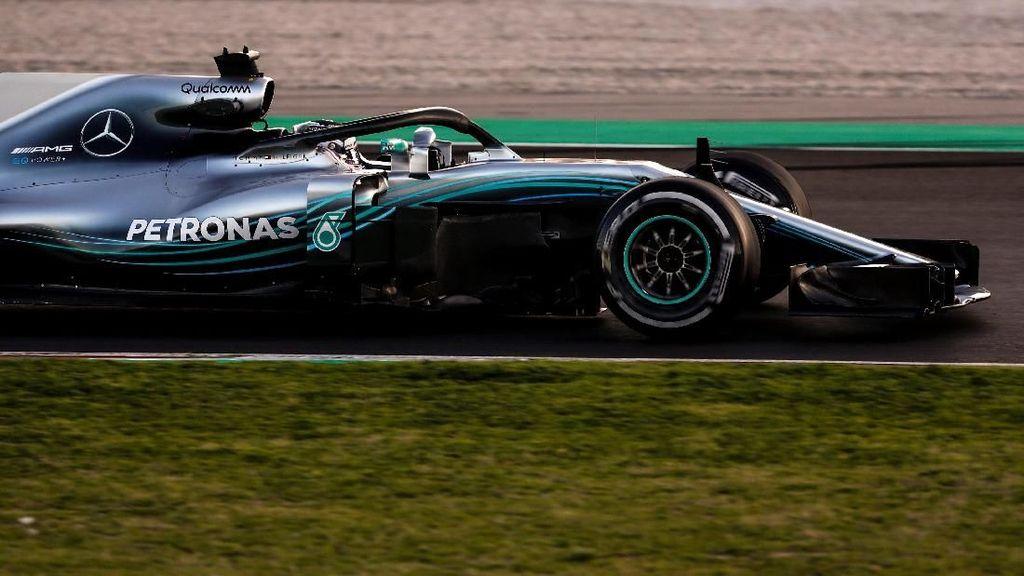 Cara Hamilton untuk Menyakiti Rival-Rivalnya