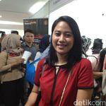 Wanita-wanita Ini Rela Berdesakan Cari Kerja di Senayan