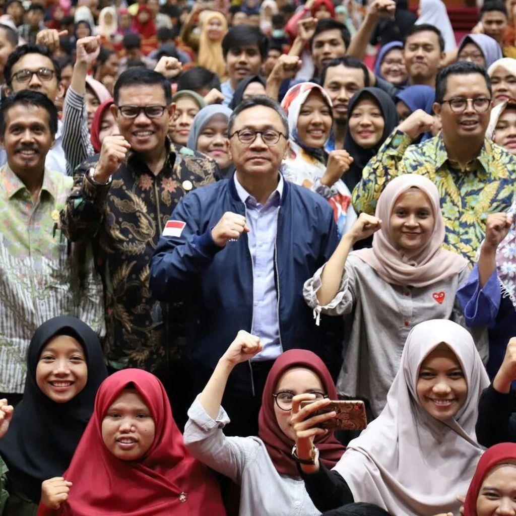 Di Padang, Zulkifli Hasan Bicara Keteladanan KH Agus Salim