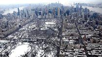 Melihat Central Park di New York yang Tertutup Salju dari Atas