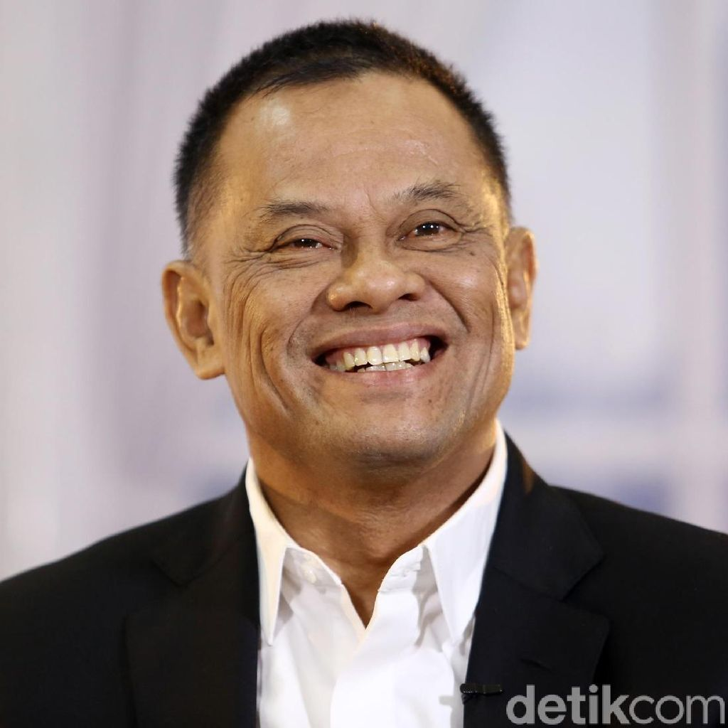 Jenderal Gatot Setelah Pensiun: Ternak Ayam Petelur