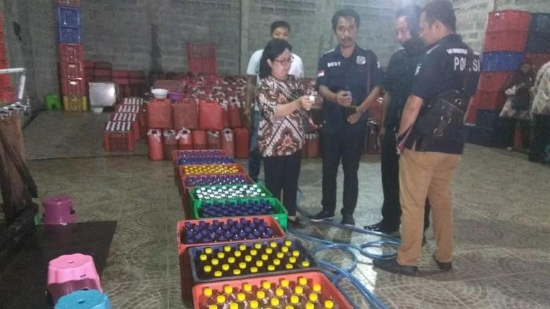 Home Industry Jamu Ilegal Digerebek, Sita Ratusan Botol Siap Edar