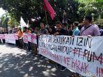 Desak Perusak PT RUM Dibebaskan, Massa Demo di Polres Sukoharjo