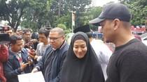 Pelapor Lyra Jadi Tersangka, Razman: Siapa Berbaju Tahanan Duluan?