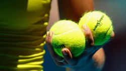 Lagi-lagi Uji Ketajaman Mata, Bola Tenis Warnanya Hijau atau Kuning?