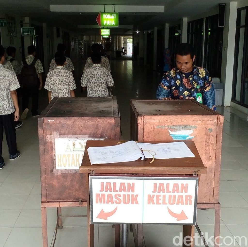 Uang Kotak Amal di Makam Gus Dur Tembus Rp 250 Juta Sebulan