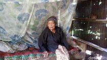 Nenek Kasni Hidup Sebatang Kara di Gubuk Bekas Penyimpanan Jagung
