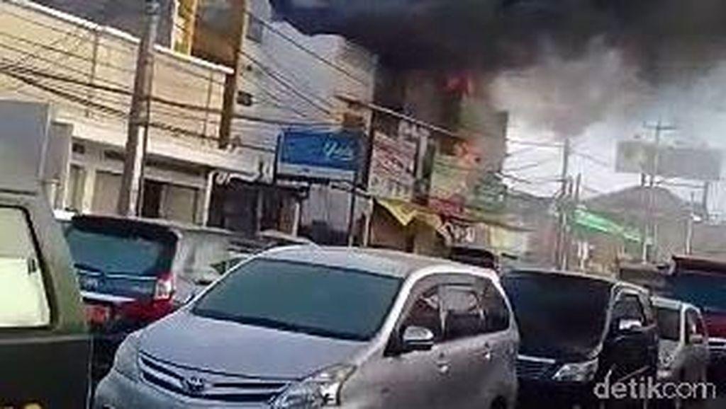 Ruko Laundry Terbakar di Bojongsoang, Dua Orang Luka