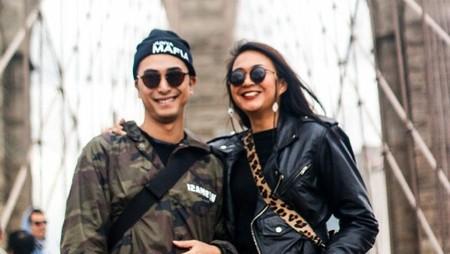 Hampir 14 Tahun Menikah, DJ Winky dan Istri Makin Mesra