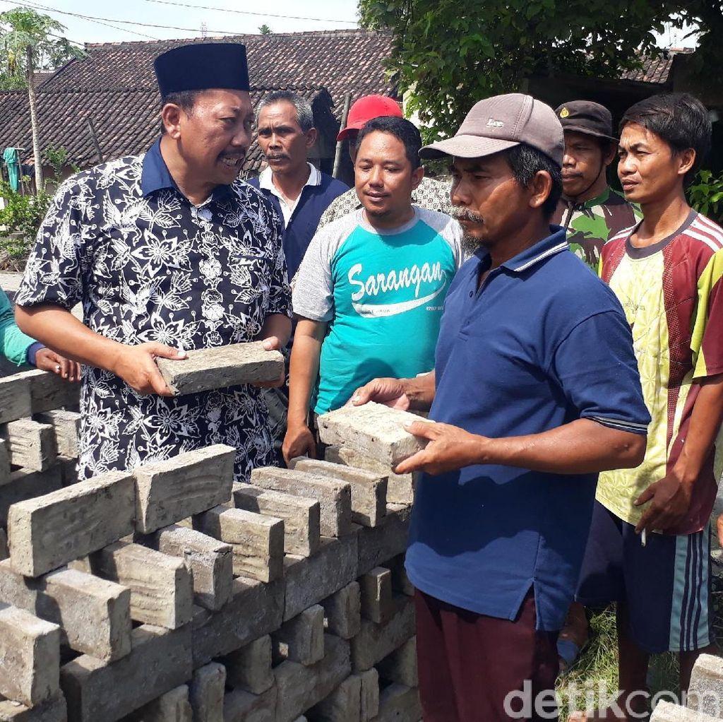 Blusukan ke Pengrajin Batu Bata, Soehadi Janji Pakai Produk Lokal