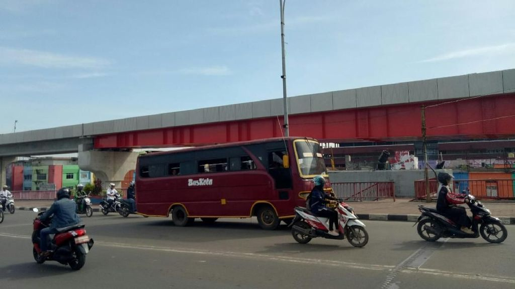 Jelang Asian Games, Bus Tua di Palembang Dikandangkan