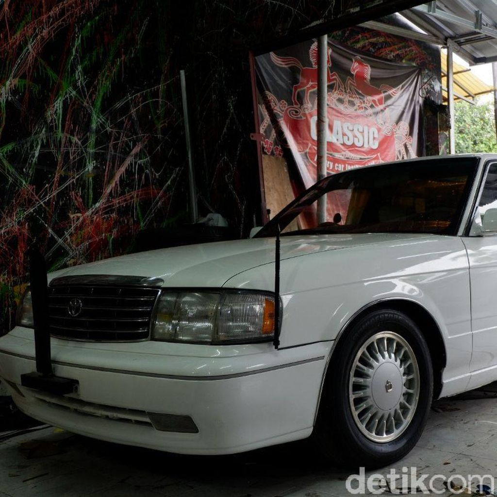 Toyota Crown Limusin