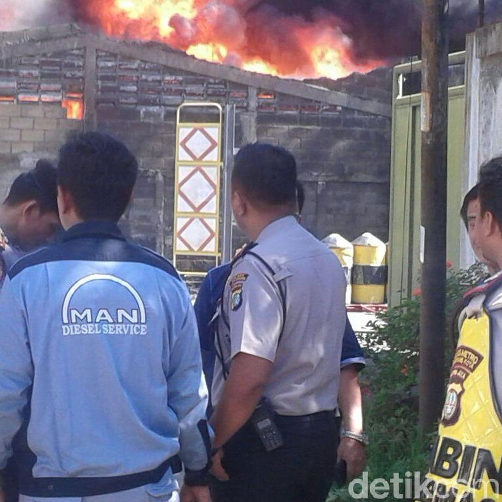 Tidak Ada Korban Jiwa Akibat Kebakaran Pabrik di Tangerang