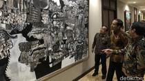 Jokowi Keliling Kantor Setneg Lihat Koleksi Lukisan