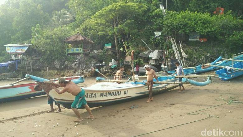 Gelombang Sudah Normal, Nelayan Gunungkidul Siap Melaut Besok
