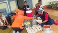 BPBD Bondowoso Dirikan Dapur Umum Bagi Warga yang Mengungsi