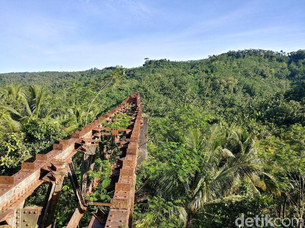 Foto: Jalur Kereta yang Cantik Tapi Mati di Jawa Barat