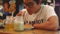 Jualan Nugget Pisang, Kaesang Pangarep Juga Sering Pose dengan Makanan