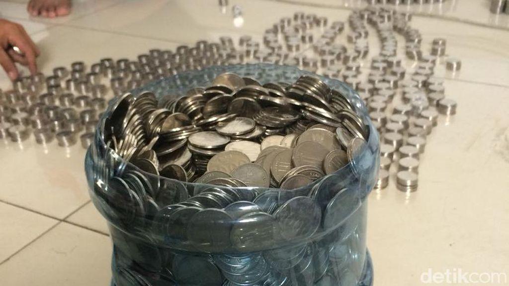Koin Rp 1.000 dalam Galon Demi Honda CRF150L