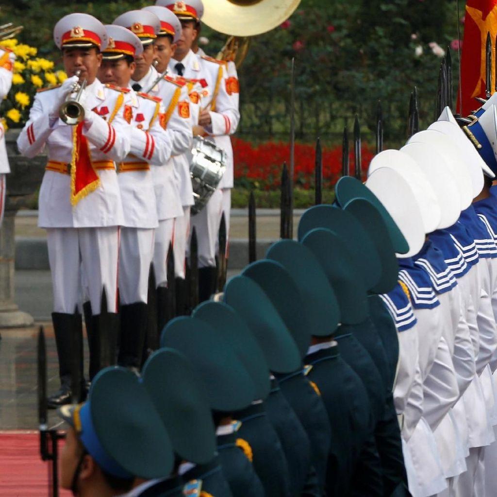 Foto: Sambutan Meriah untuk Presiden Korsel di Hanoi