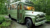Bus Tua Disulap Jadi Rumah Cozy
