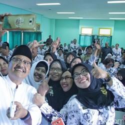Lima Kriteria Cagub yang Diinginkan Guru PGRI Ada Pada Gus Ipul
