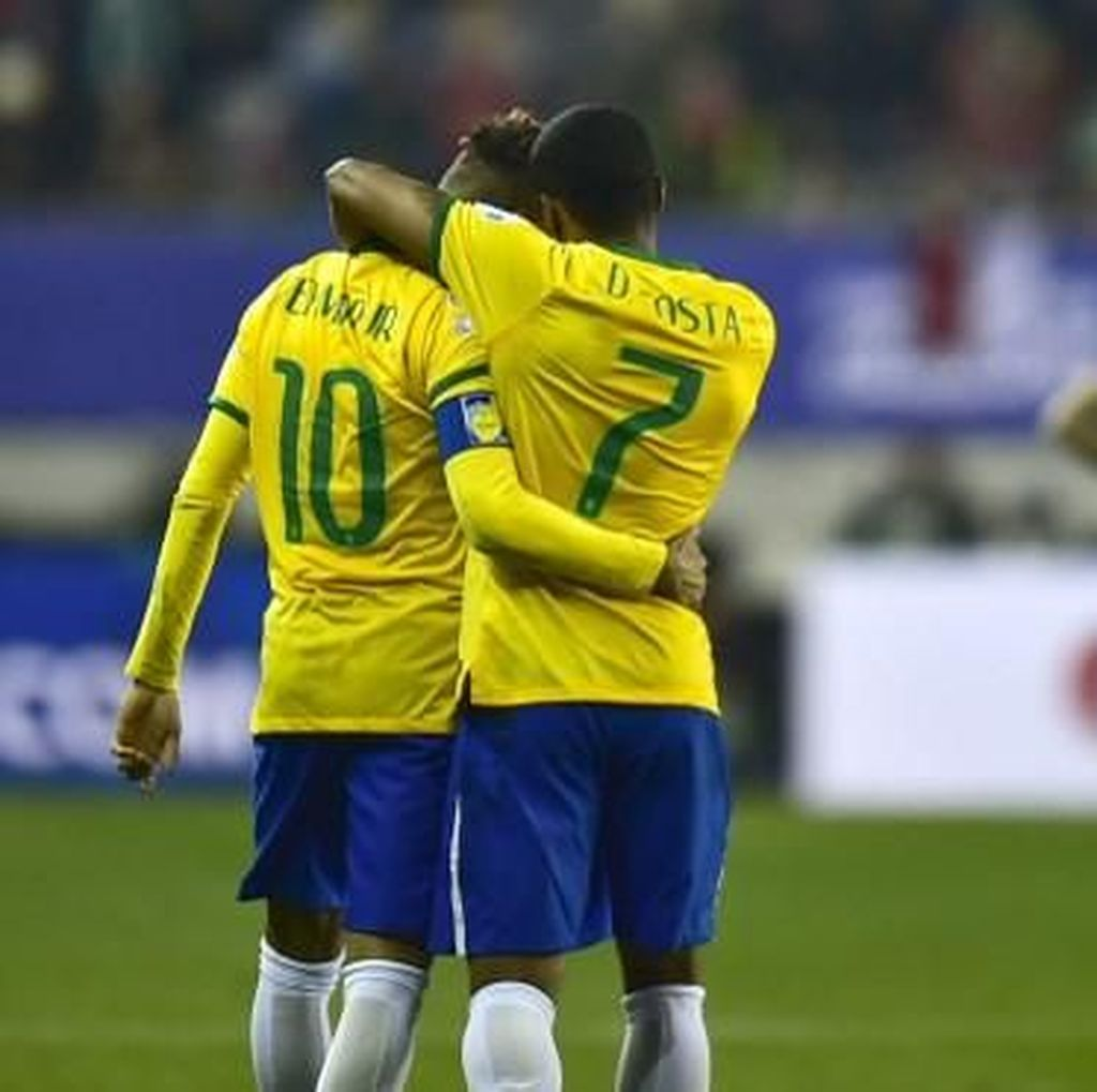 Tite pada Douglas Costa: Neymar Tak Tergantikan