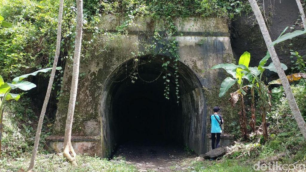 Cerita Terowongan Terpanjang di Indonesia: Cinta & Pesugihan