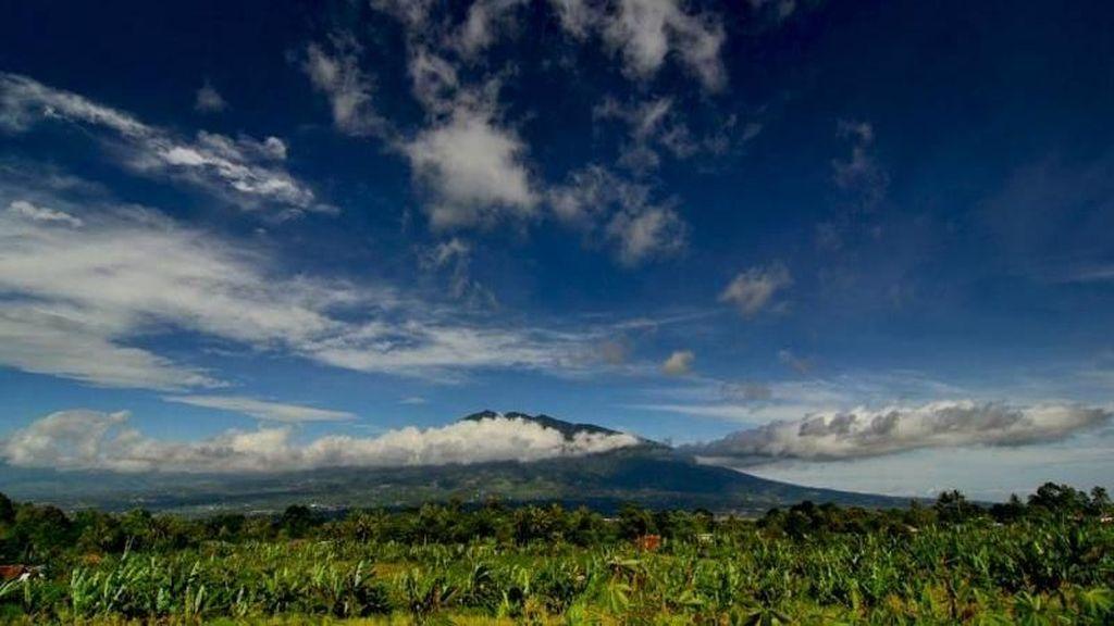 Menyambut Pagi di Perbatasan Bogor-Sukabumi