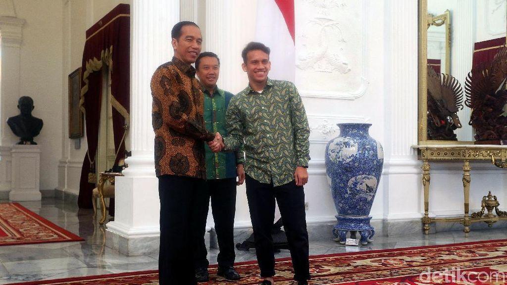 Senyum Sumringah Egy Maulana Saat Bertemu Jokowi