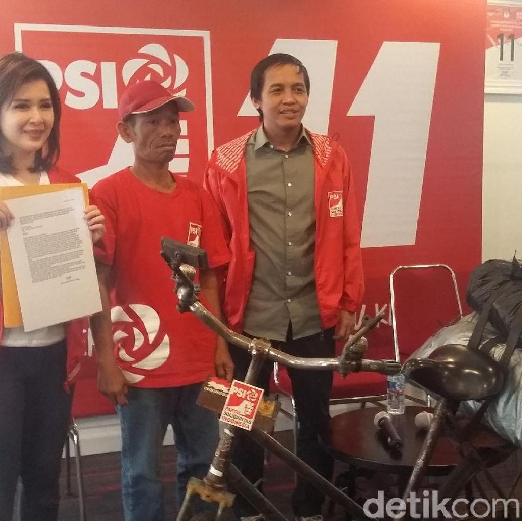 Dukung PSI, Handoko Bersepeda 11 Hari dari Jepara ke Jakarta