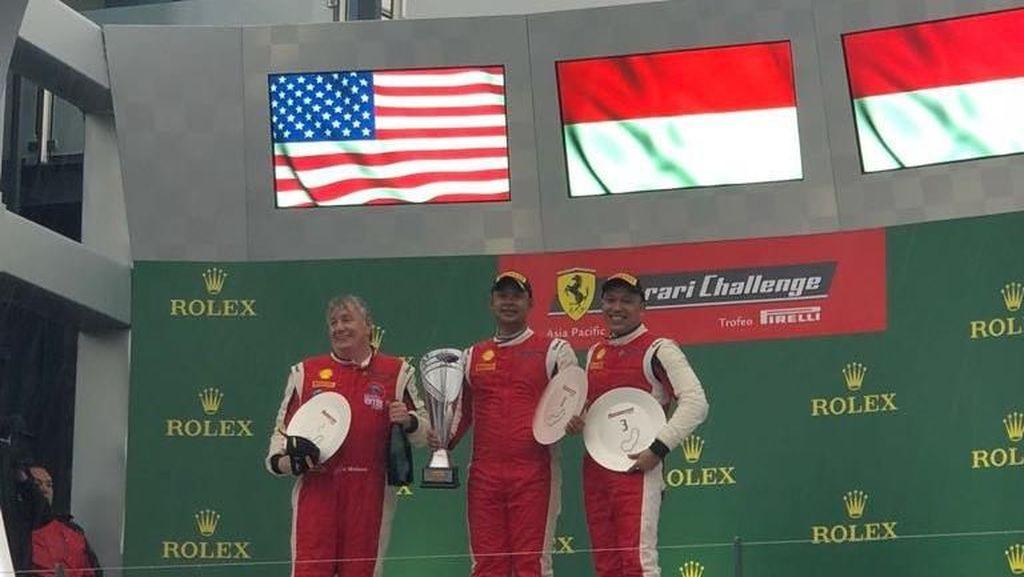 2 Pebalap Indonesia Kibarkan Merah Putih di Sirkuit F1