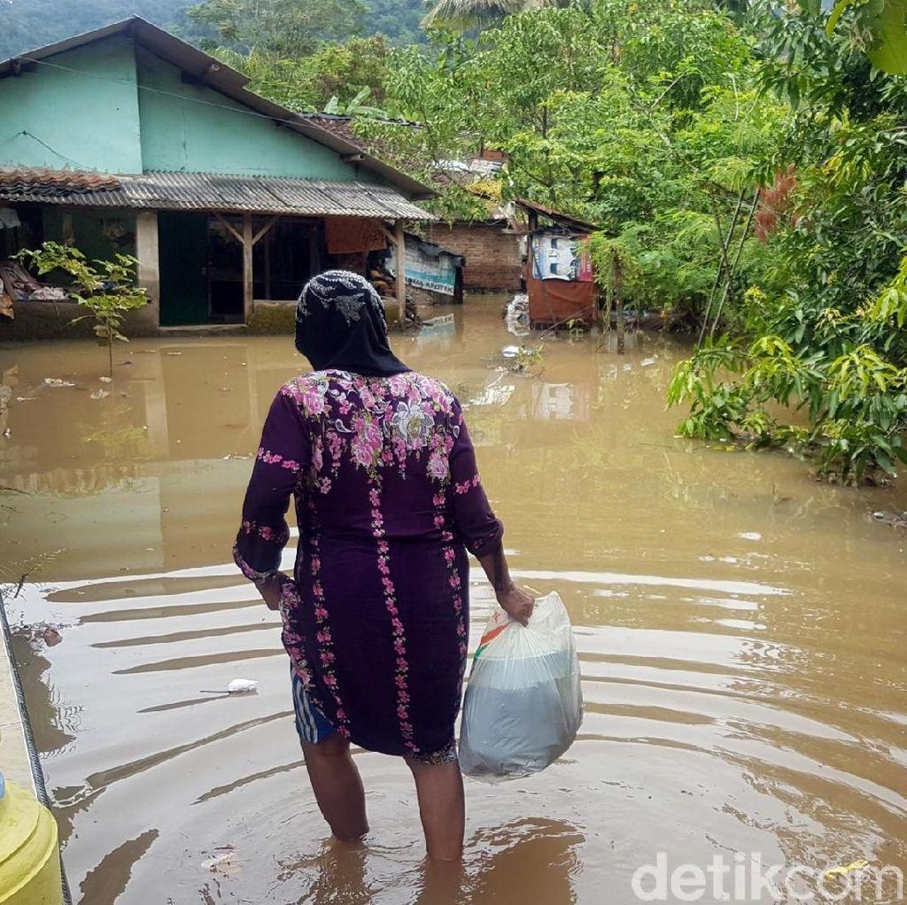 Ketinggian Air Mulai Surut, Warga Palabuhanratu Diminta Waspada