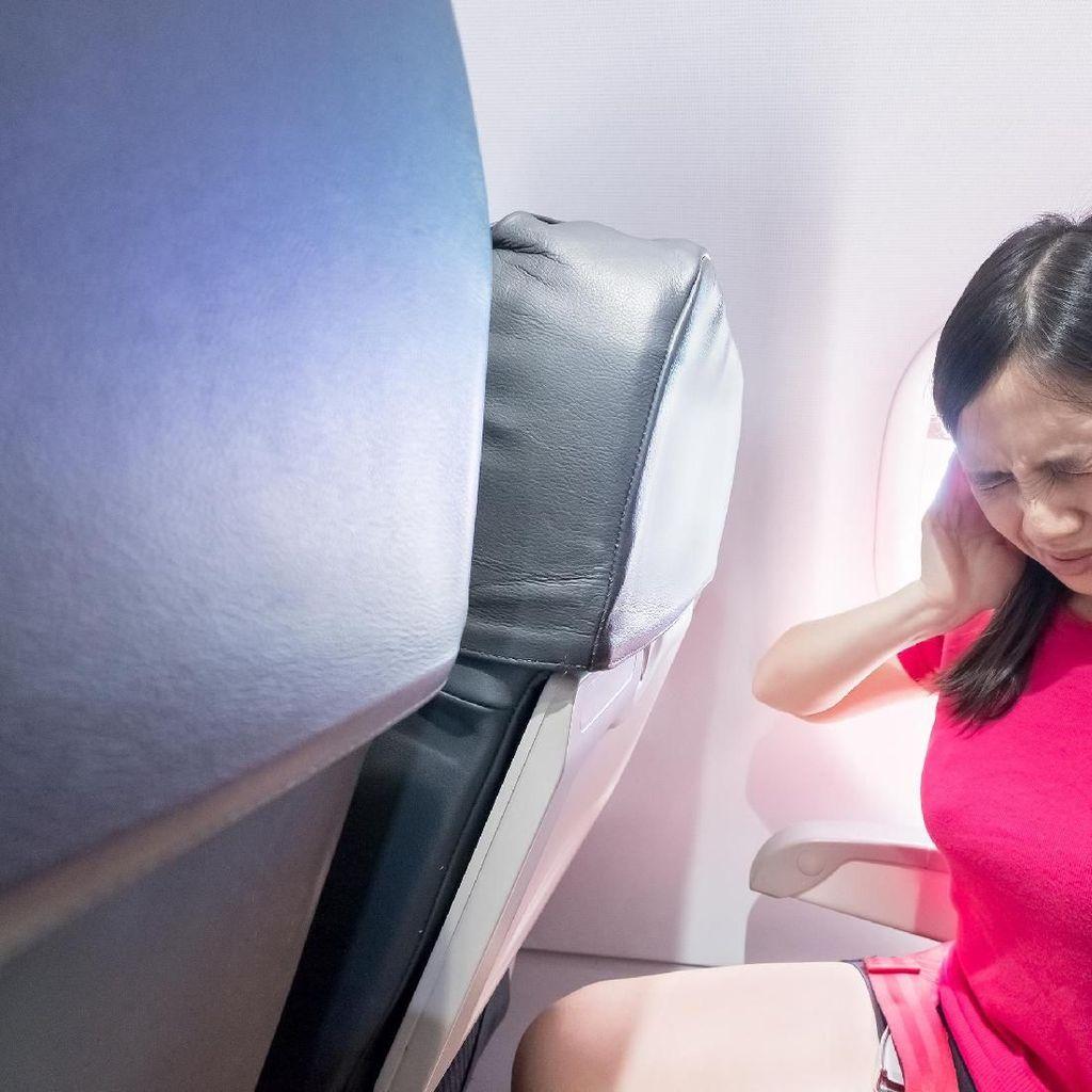 Ini Cara Atasi Telinga Sakit Pas Naik Pesawat