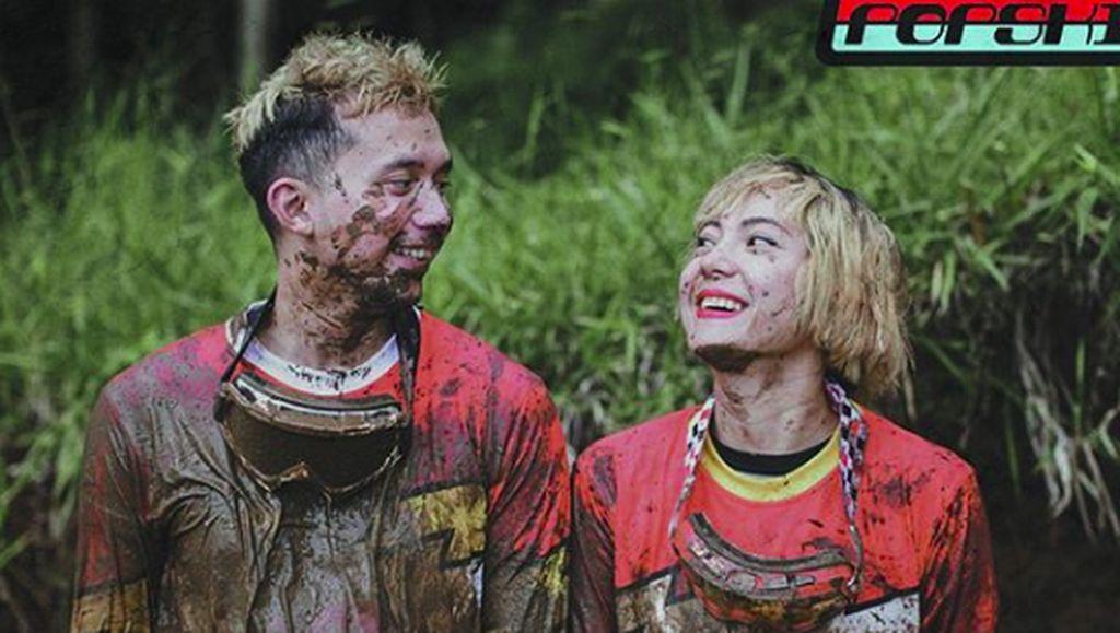 Poppy Sovia: Konsisten Gaya Nyentrik usai Nikah hingga Siap Hamil