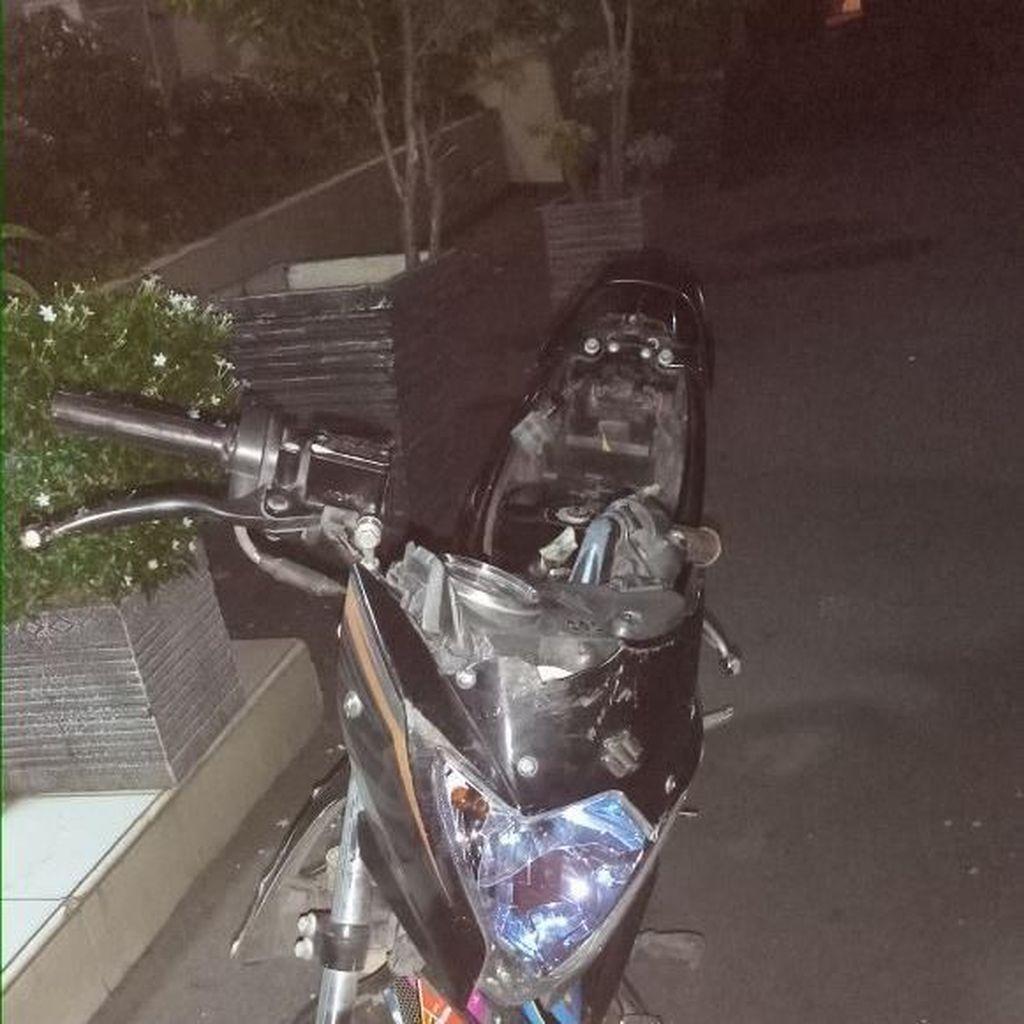 Polisi Tangkap Penjambret HP Sopir Taksi Online di Pulogadung