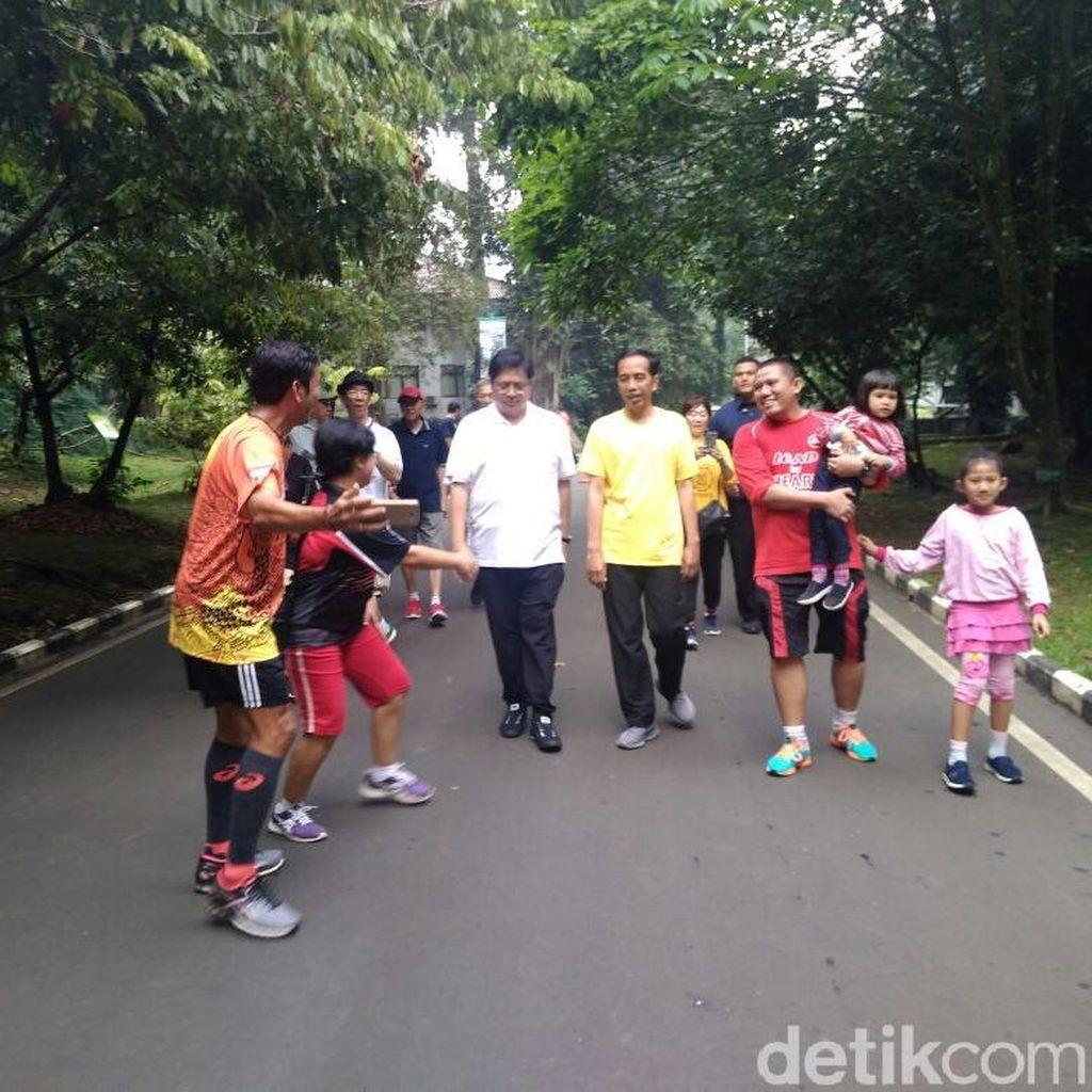 Sambil Joging, Jokowi Ngobrol soal Cawapres Bareng Airlangga