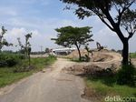 Seorang Warga Ngamuk di Tengah Proyek Overpass Tol Ngawi-Wilangan