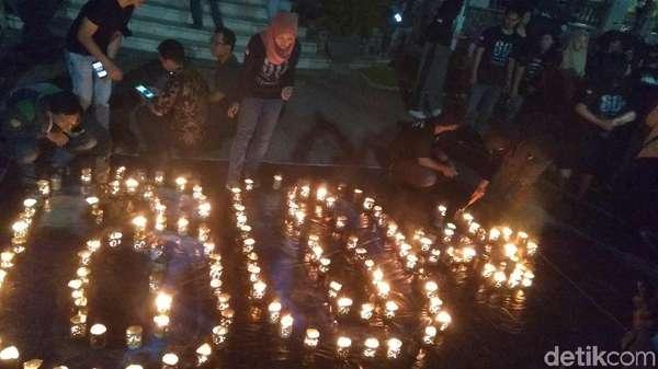 Earth Hour di Surabaya: Formasi Angka hingga Kampanye Flora Fauna