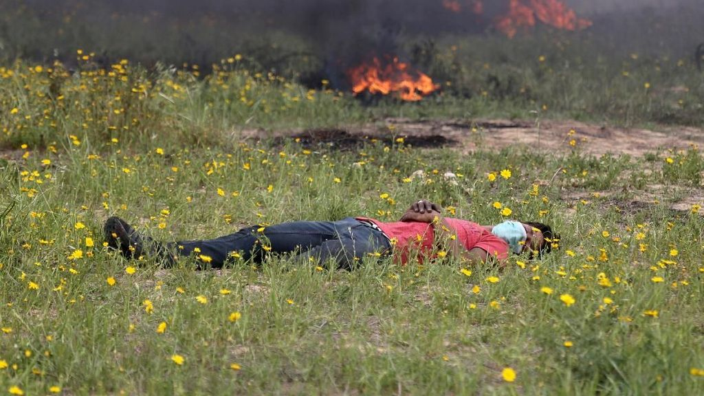 Pejuang Palestina Rehat Sejenak di Tengah Bentrok dengan Israel