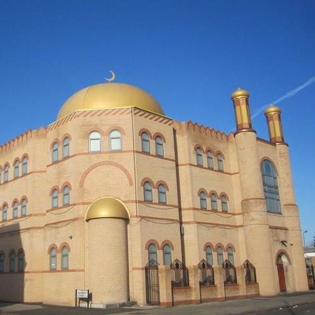 Foto: Masjid di Dekat Markas Mohamed Salah