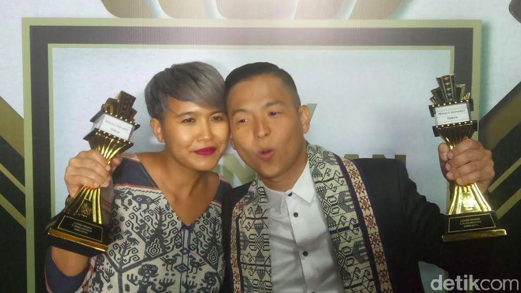 Ernest Prakasa dan Istri Saling Isi Lewat Naskah Film