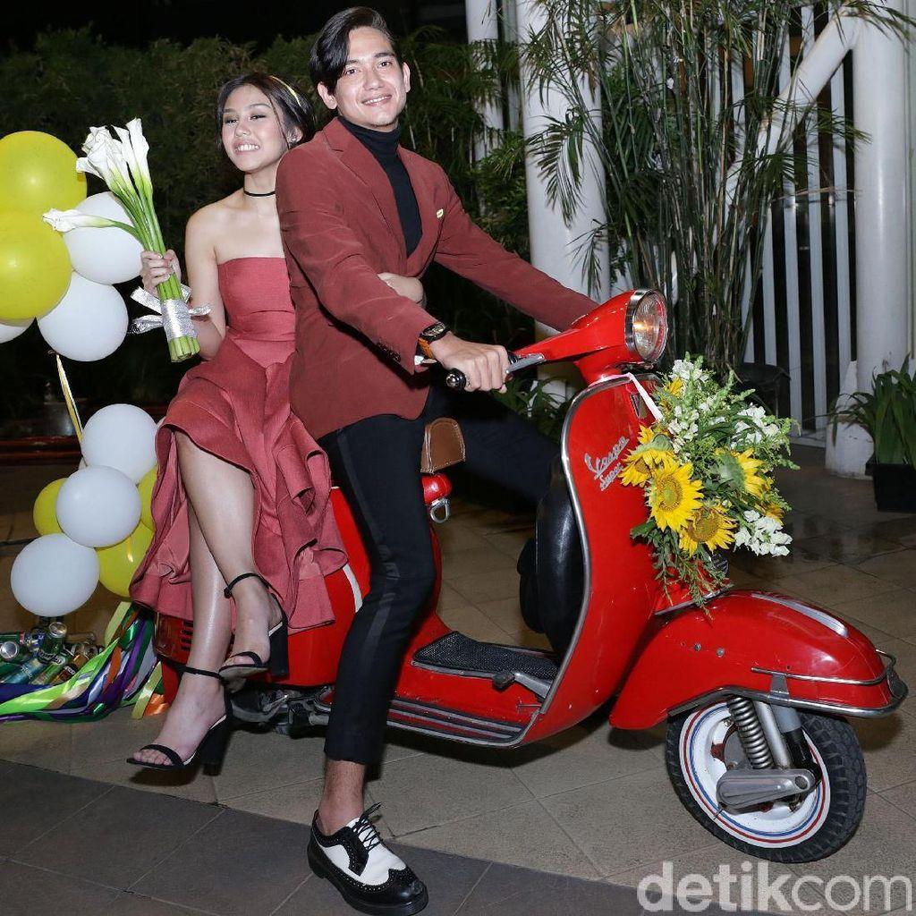 Hot Couple! Vanesha Prescilla Cantik, Adipati Necis
