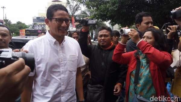 Prabowo Telanjang Dada, Sandi: Jangan Gagal Fokus