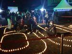 Warga Makassar Nyalakan Lilin Elektrik di Peringatan Earth Hour