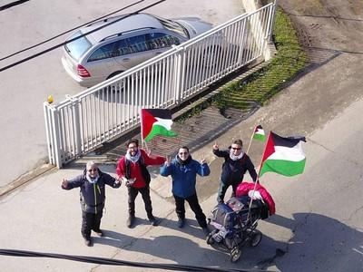 Jalan Kaki Demi Palestina, Benjamin Dapat Bantuan Tak Disangka