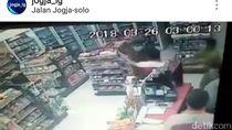 Perampok Berparang Sekap Pegawai Minimarket dalam Toilet di Sleman