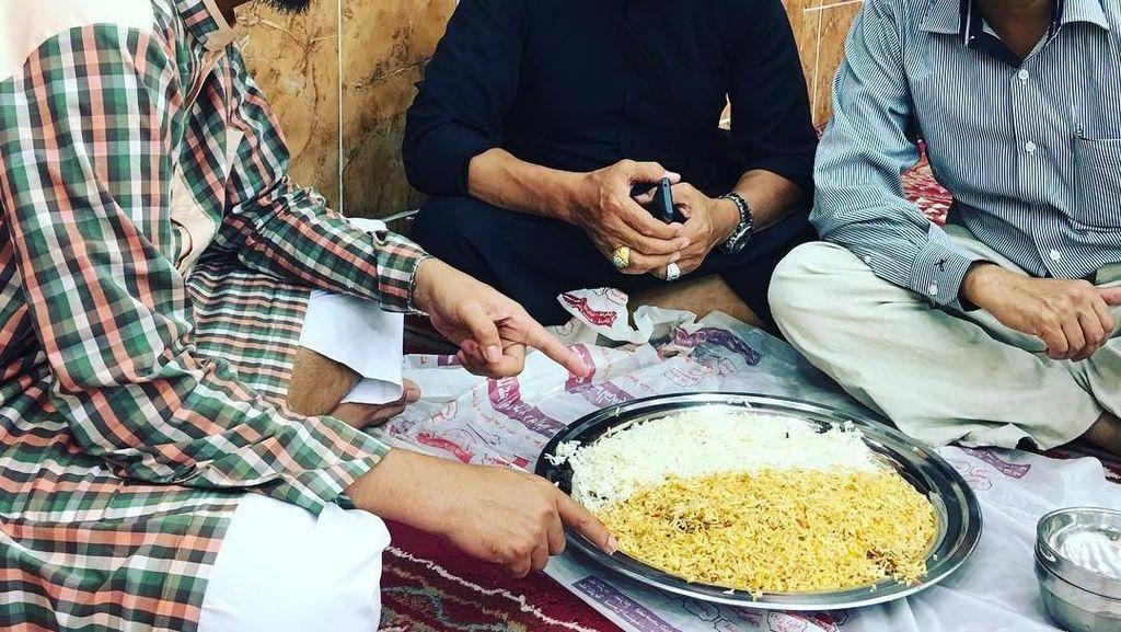 Tilap Uang Jemaah Umrah Rp 1,8 T, Begini Gaya Makan Abu Hamzah