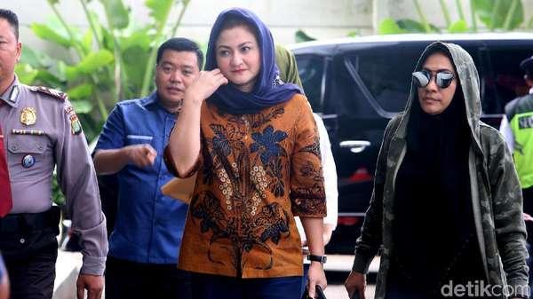 Cerita Ny Deisti soal Hilangnya Novanto: HP Mati hingga Kecelakaan