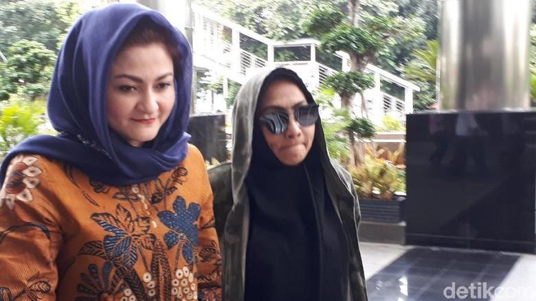 Ny Deisti Sebut Novanto Ada di Sentul dan DPR Saat Dicari KPK